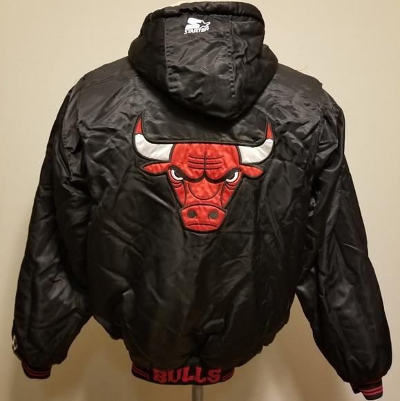 5d2bc91e6da7d1 Vintage 90 s Chicago Bulls Starter Jacket Medium. M 5c9ab0a7bb76152731014510